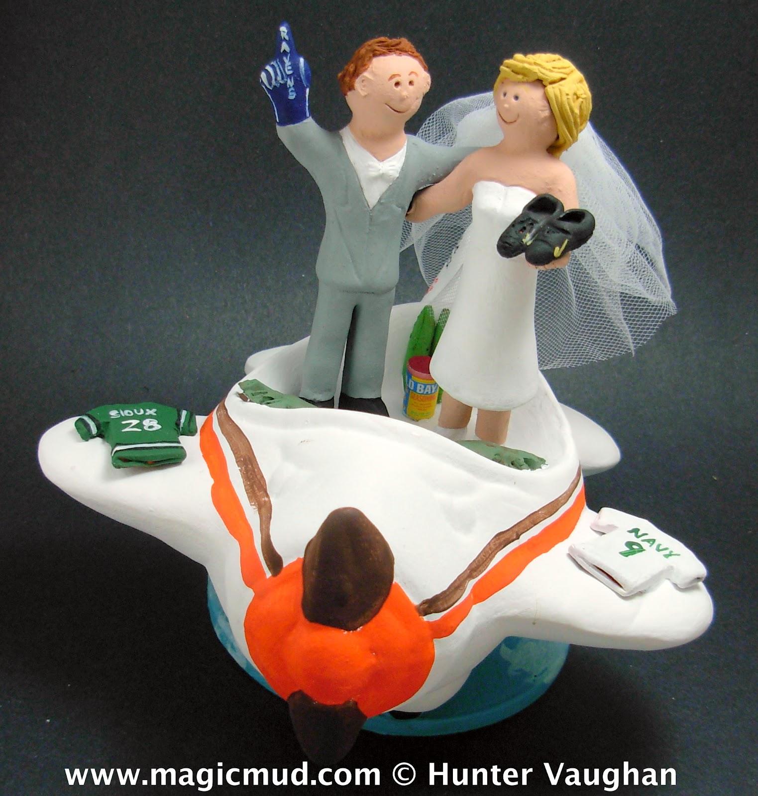 custom wedding cake toppers baltimore ravens wedding cake topper. Black Bedroom Furniture Sets. Home Design Ideas