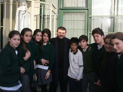Padre Gerardo Gallo con Primer Año B