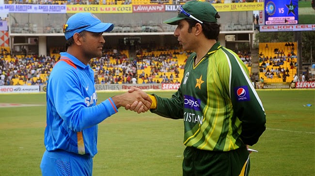 India vs Australia: Misbah backs Dhoni