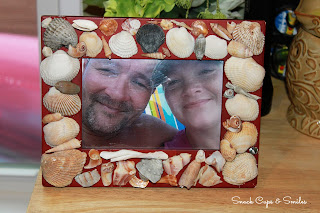 Decorating a Picture Frame with Seashells