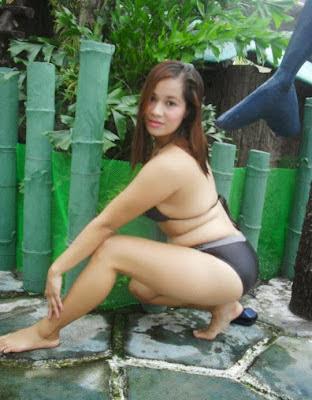 Tante Sely Lagi Horny di Taman