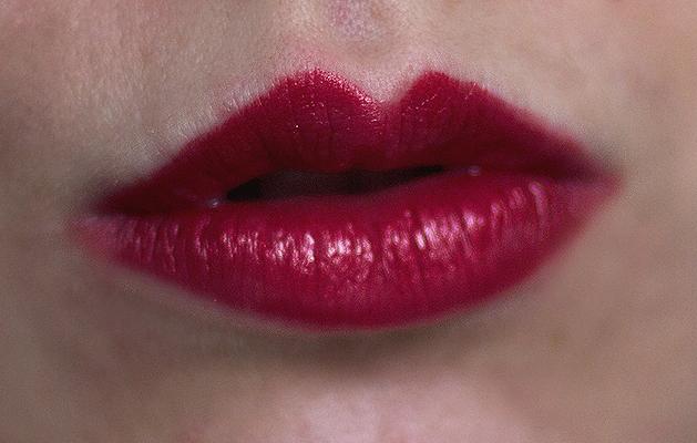 MAC, MAC Viva Glam, MAC Viva Glam Rihanna, Mac Viva Glam Rihanna Lipstick Review