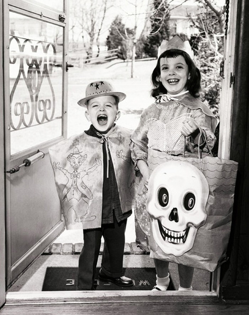 See How Kids Used to Celebrate Halloween from the 1930s ~ vintage ...