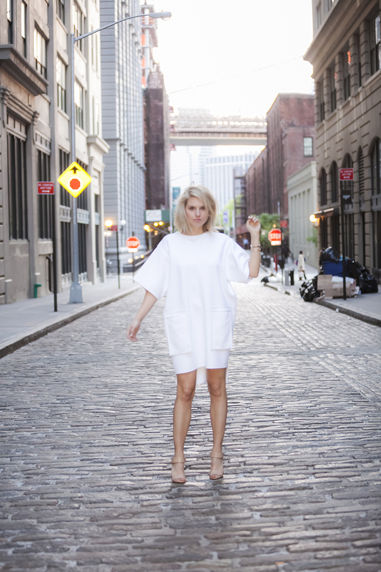 On the cobblestone street, DUMBO, Brooklyn, New York City, street style by Ian Rusiana, mini dress, legs, sexy heels, fashion dress, man repelling, Vince Genna sandals, Stefanie Biggel boxy dress, messy hair