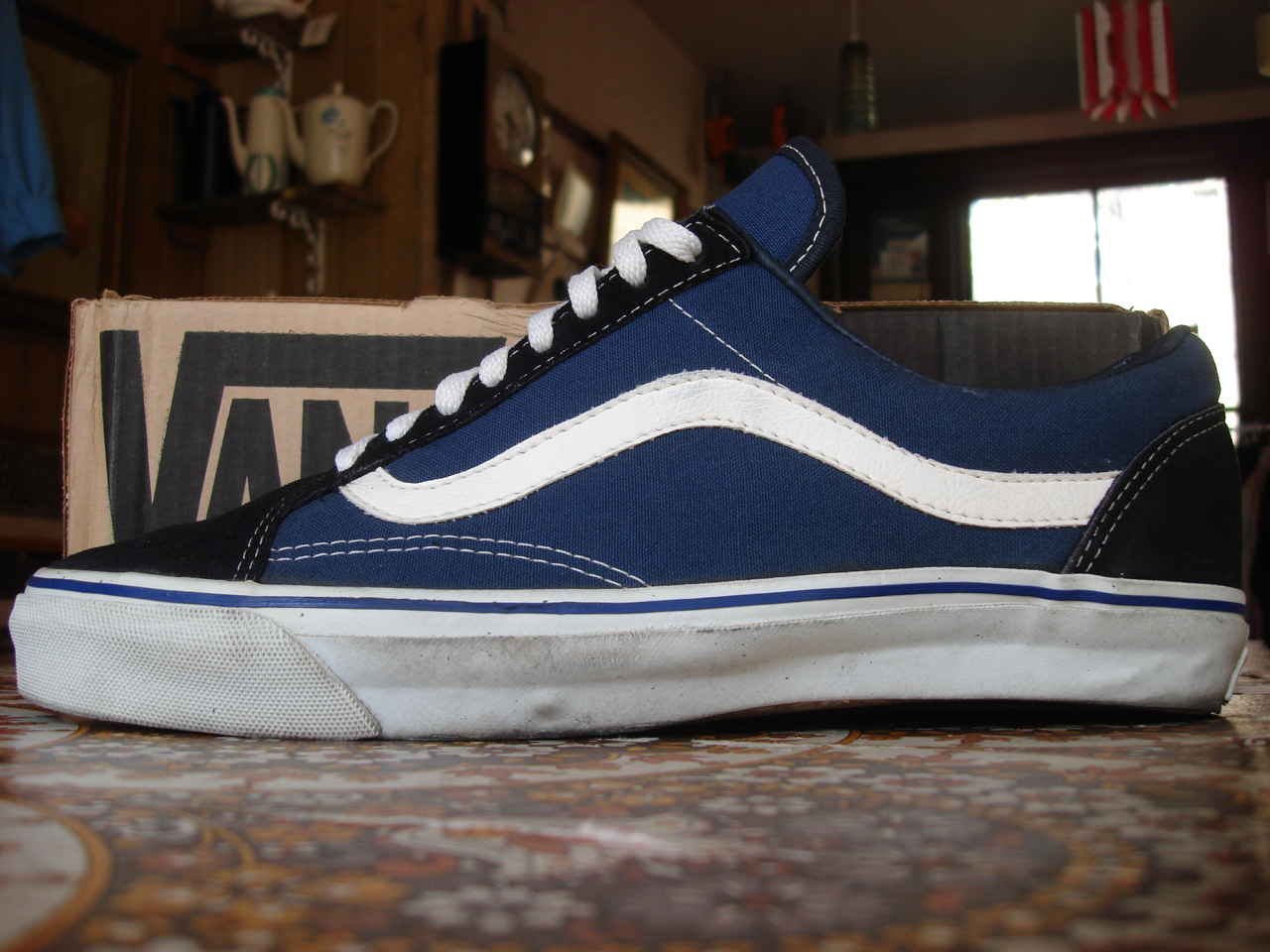 theothersideofthepillow vintage vans navy suede canvas old skool style 36 made in usa school. Black Bedroom Furniture Sets. Home Design Ideas