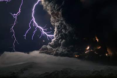 Sensational Volcanic-Lightning