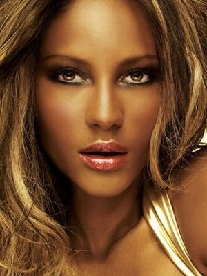 Black Lady Makeup http://makeupforgeneration.blogspot.com/2012/10/ebony-skins-makeup.html