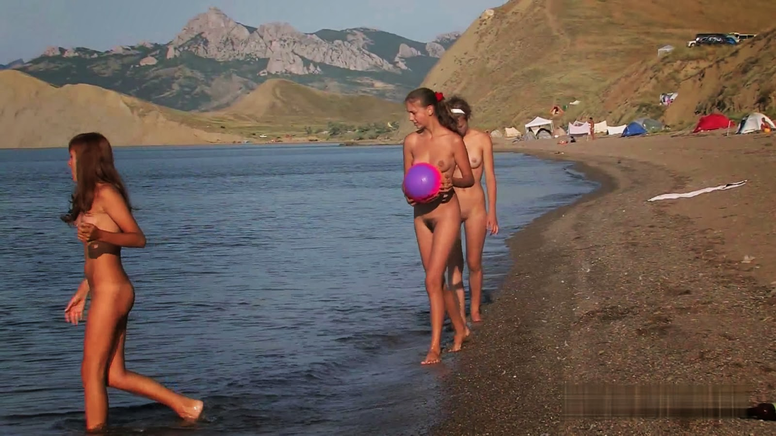 golaya-devushka-na-obskom-more