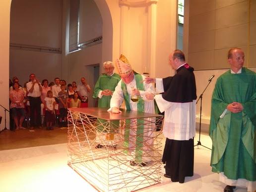 http://cathcon.blogspot.com/2013/11/cardinal-marx-consecrates-modernist.html