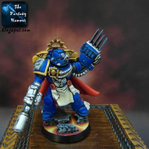 Kosmiczni Marines Ultramarines Dowódca