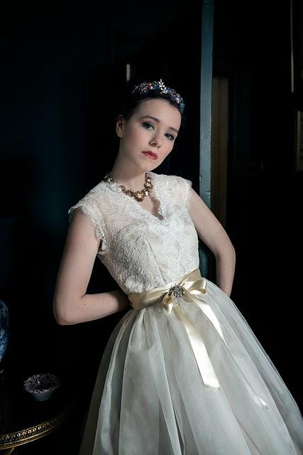 Heavenly vintage brides uk vintage wedding blog vintage for Tudor style wedding dress