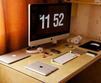 Apple Lovers Desktop, iPad, MacBook, iPhone, iPod, iMac, HeadPhone