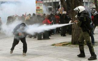 ψεκασμός διαδηλωτών
