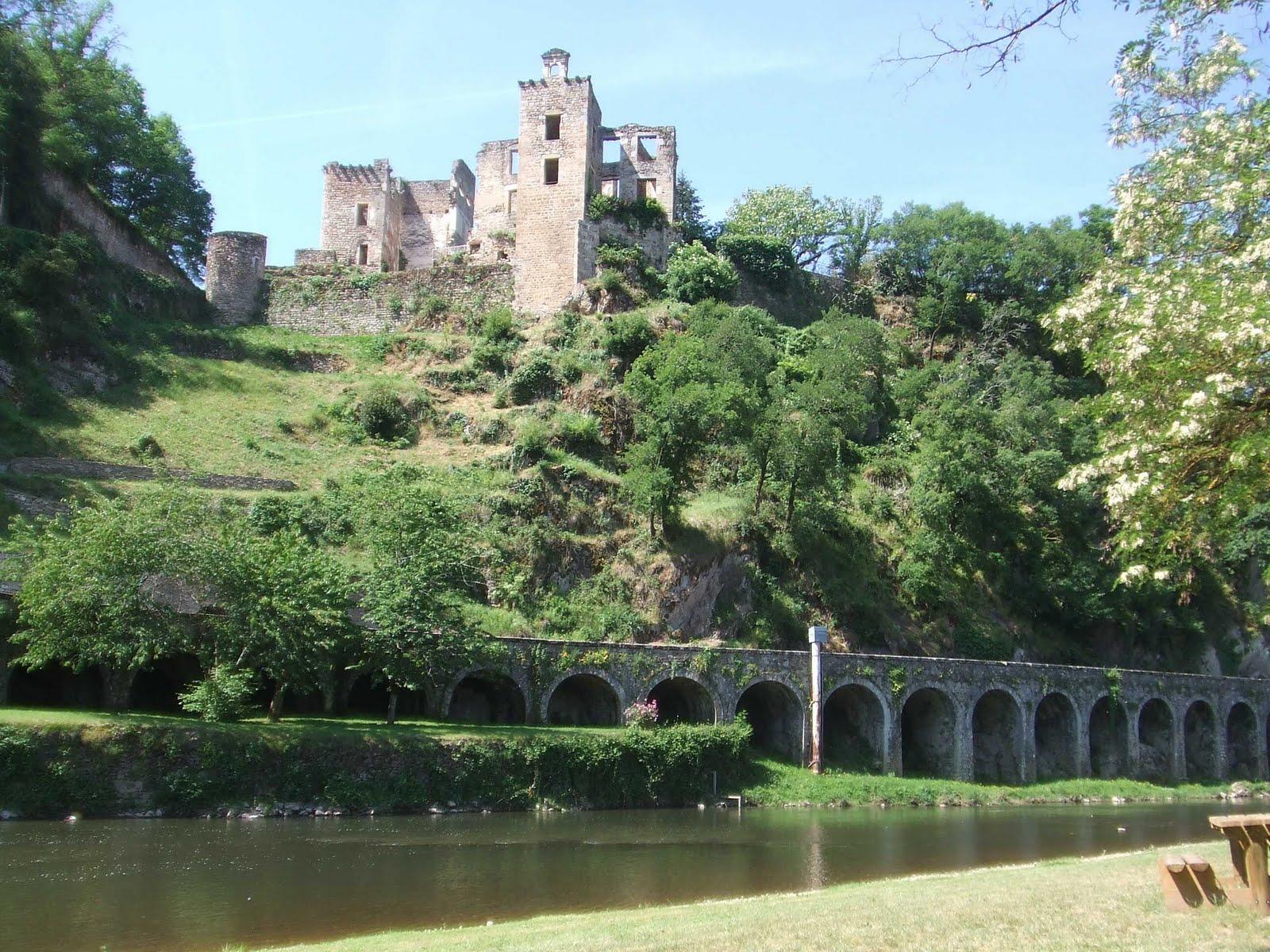 St Bloggie de Riviere Plein les Yeux 2 Aveyron Tarn Cantal Lot