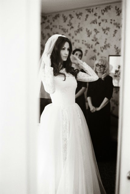 Vintage Bride of the Week: Stephanie in 1960s lace and chiffon ...