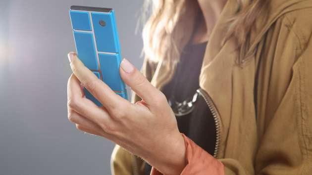 TECNOLOGÍA / Google fabrica un celular de bloques interconectables que costará 50 dólares