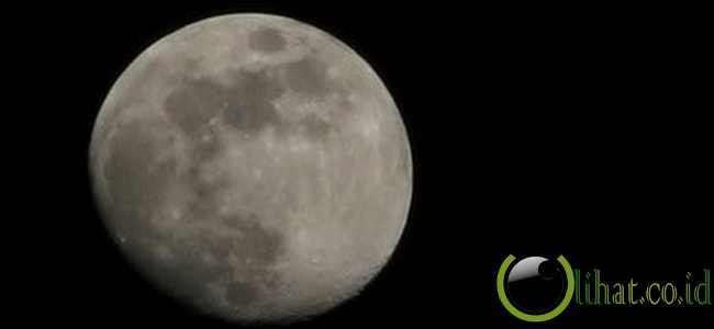 Ada sisi tergelap dari bulan