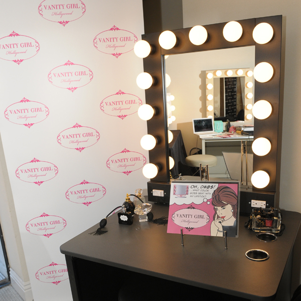 Homemade Vanity Mirror With Lights : I Am Elizabeth Martz Beauty Fashion & Lifestyle Blog: DIY YOUR OWN LIGHTED MAKEUP VANITY ...