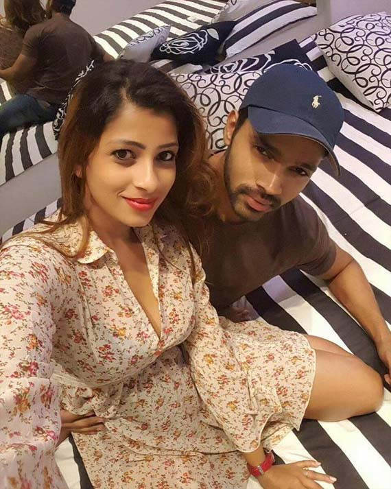 Actress Nadeesha Hemamali's & her boyfriend's photos & videos leak online