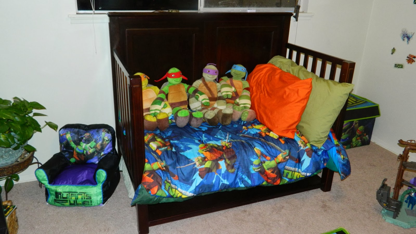 Ninja turtle bedroom -  Ninja Turtles Orange For Michelangelo Blue For Leonardo Purple For Donatello And Red For Raphael Then After Months Of Searching And Accumulating