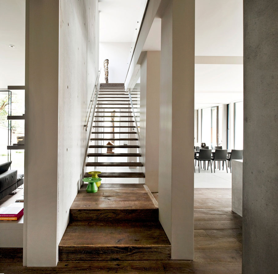 World of architecture contemporary architecture on the for Modern wood stairs
