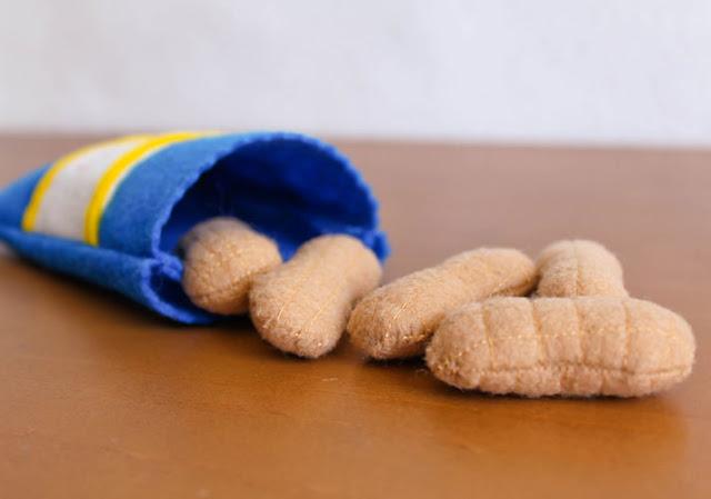 bolsa de nuggets hechos con fieltro