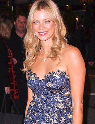 Amy Smart Hair Styles