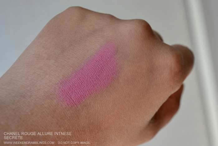 Chanel Makeup Rouge Allure Luminous Intense Lipstick Bluish Light Pink Secrete Indian Beauty Blog Darker Skin Reviews Swatches FOTD Looks