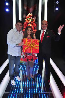 Batoré, Maisa Silva e Marcelo de Carvalho - Crédito: Fernanda Simão/Divulgação RedeTV!