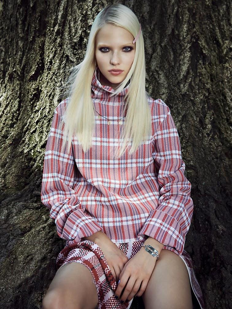 Sasha Luss, bleached blonde, Céline chinatown print top
