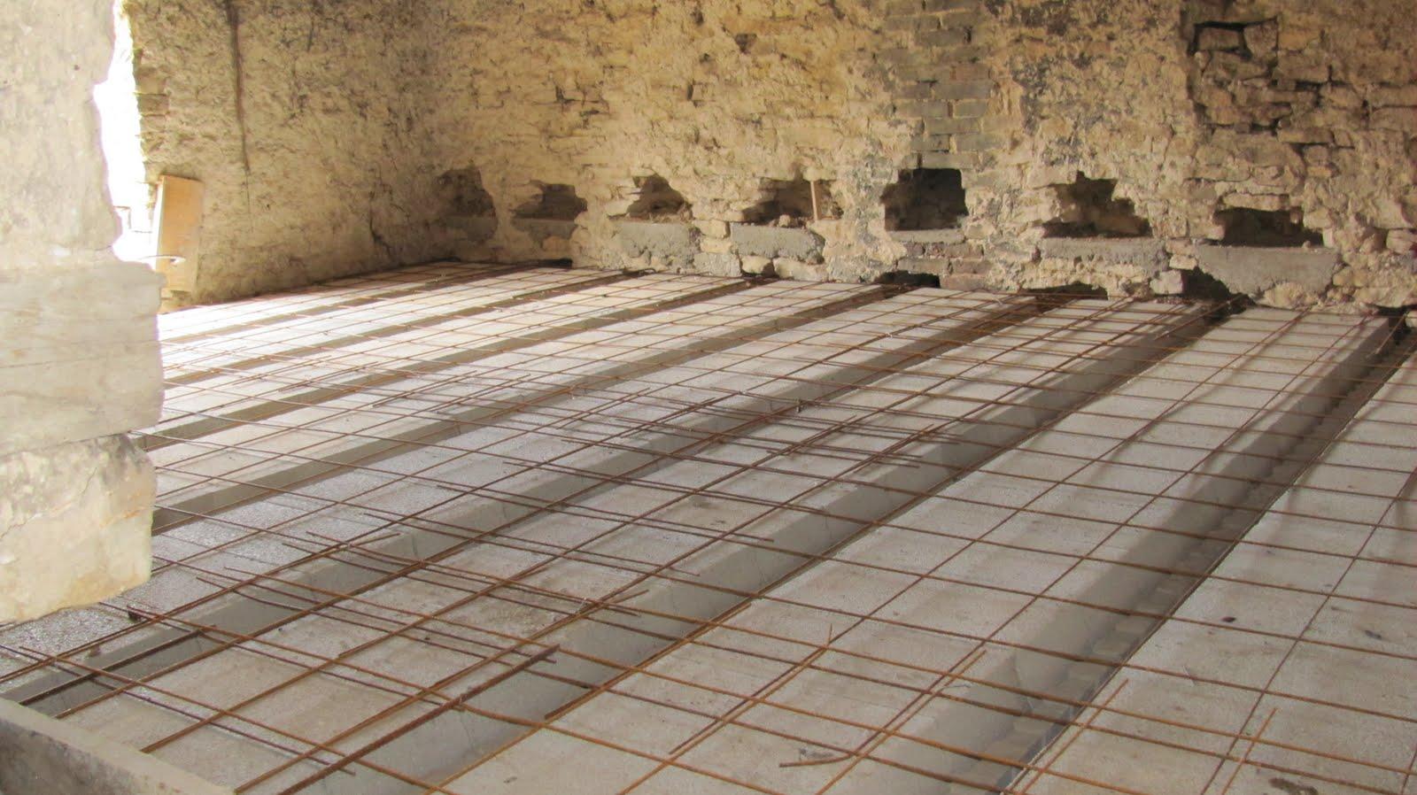Ma onnerie r novation d 39 une ferme d molition d 39 un for Plancher chauffant en renovation