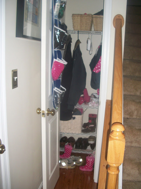 Jane of All Crafts: 21 Day Challenge-Day 8 {the coat closet}