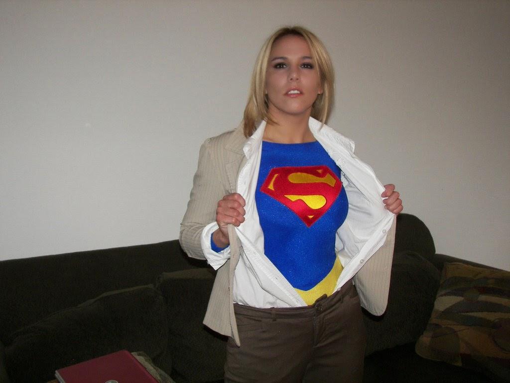 SHE - Super Heroines Everywhere