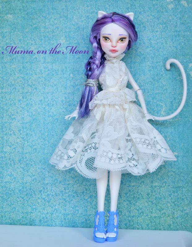 Catrine Demew custom