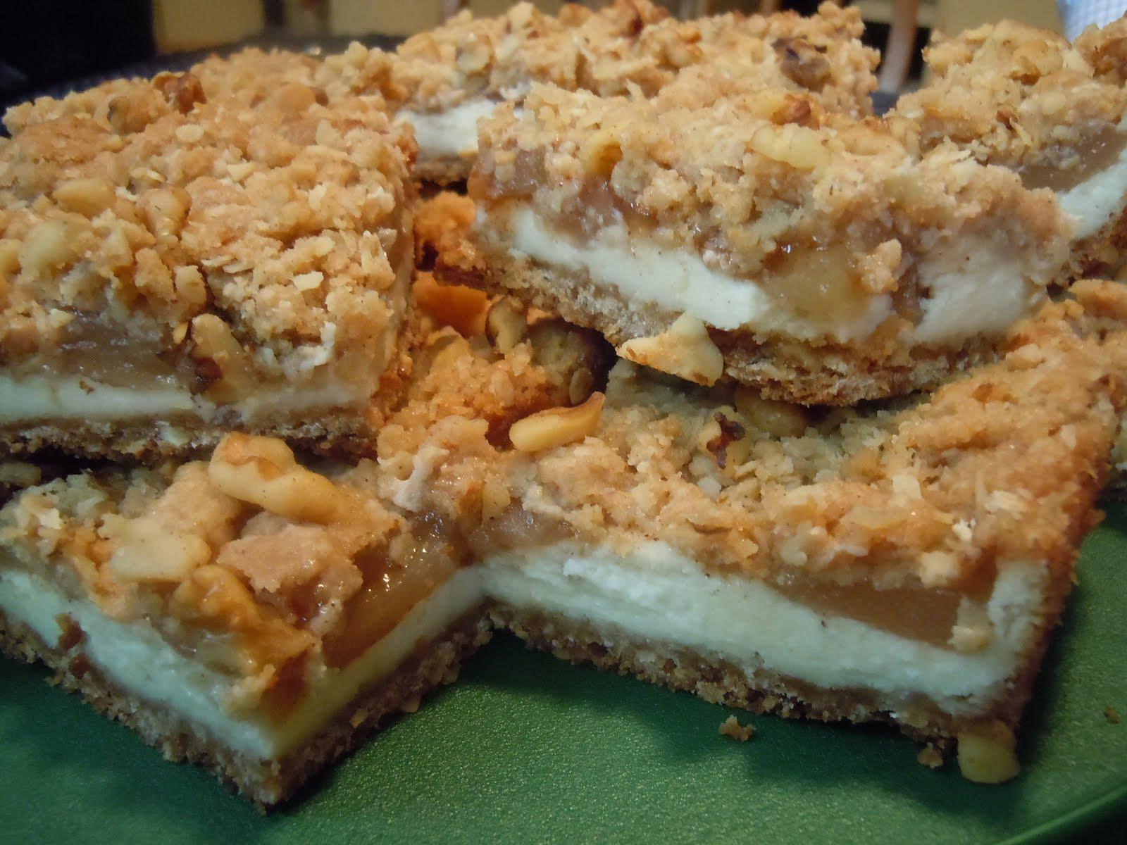 The Savvy Kitchen: Apple Streusel Cheesecake Bars
