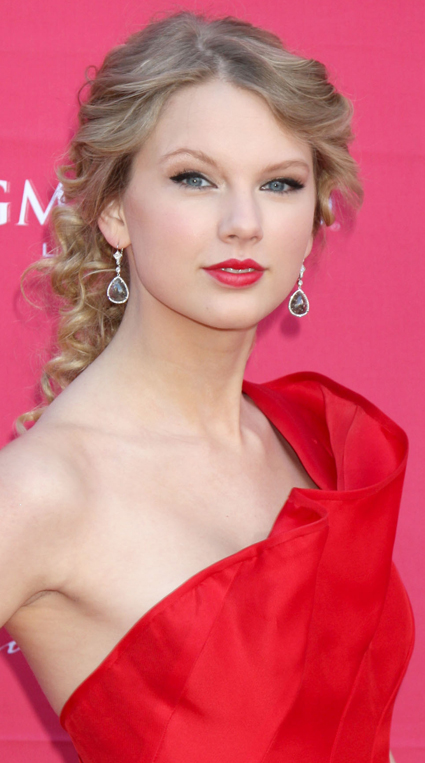 Taylor Swift Natural Hair, Long Hairstyle 2011, Hairstyle 2011, New Long Hairstyle 2011, Celebrity Long Hairstyles 2025
