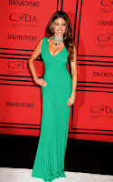 Sofia Vergara cleavage in green gown