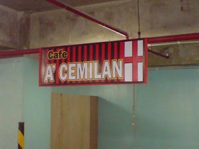 Cafe Dengan Nama Paling Kreatif... [ www.BlogApaAja.com ]