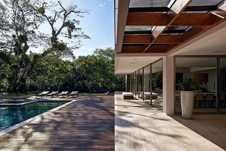 Terrace of Contemporary Iporanga House by Patricia Bergantin Arquitetura