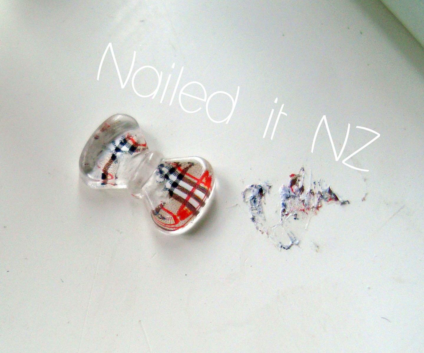 Burburry/Plaid Nail Art - With 3D Bows From KKcenterhk