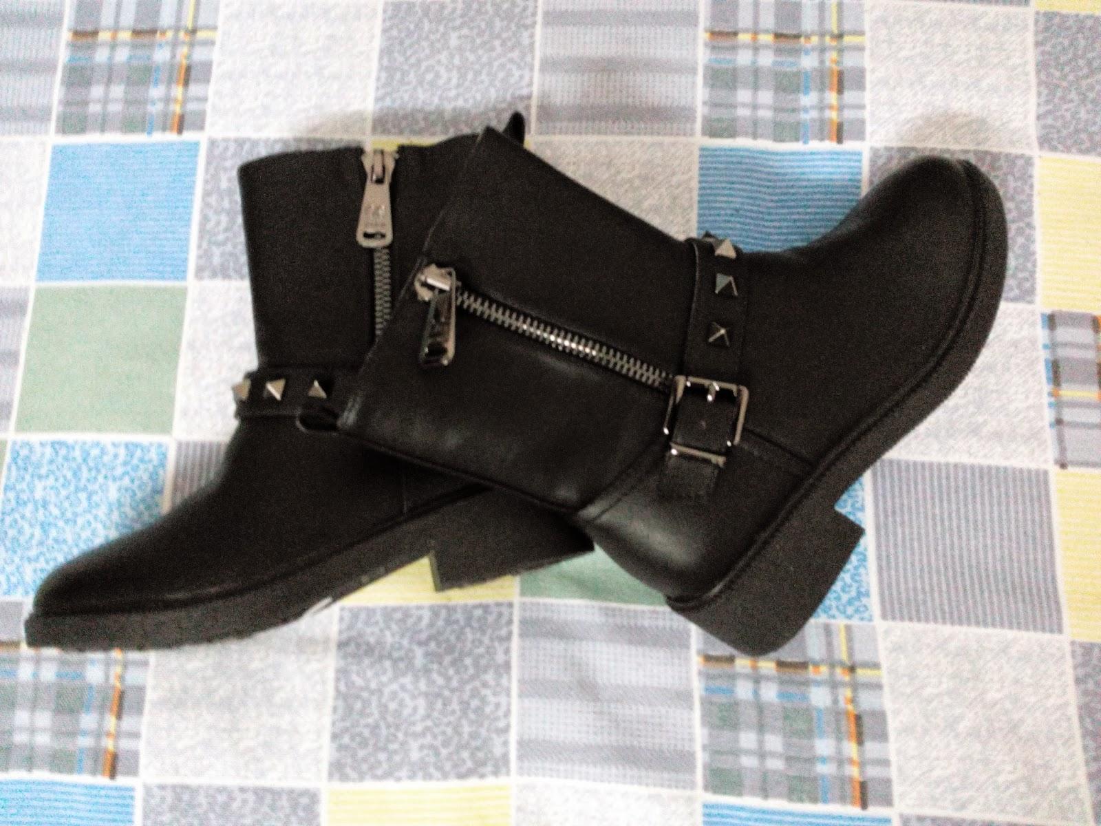 Black Winter Boots 2