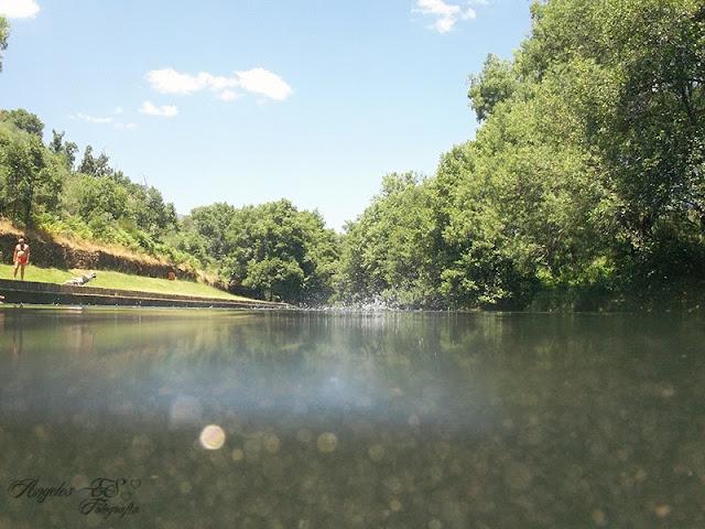 Captando recuerdos veranos soyanos piscina natural de hoyos for Piscinas naturales hoyos caceres
