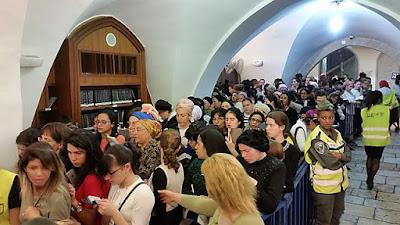 Miles de personas en la Tumba de la Matriarca Raquel en el aniversario de su fallecimiento