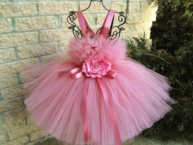 Tutu dress warna pink untuk anak perempuan