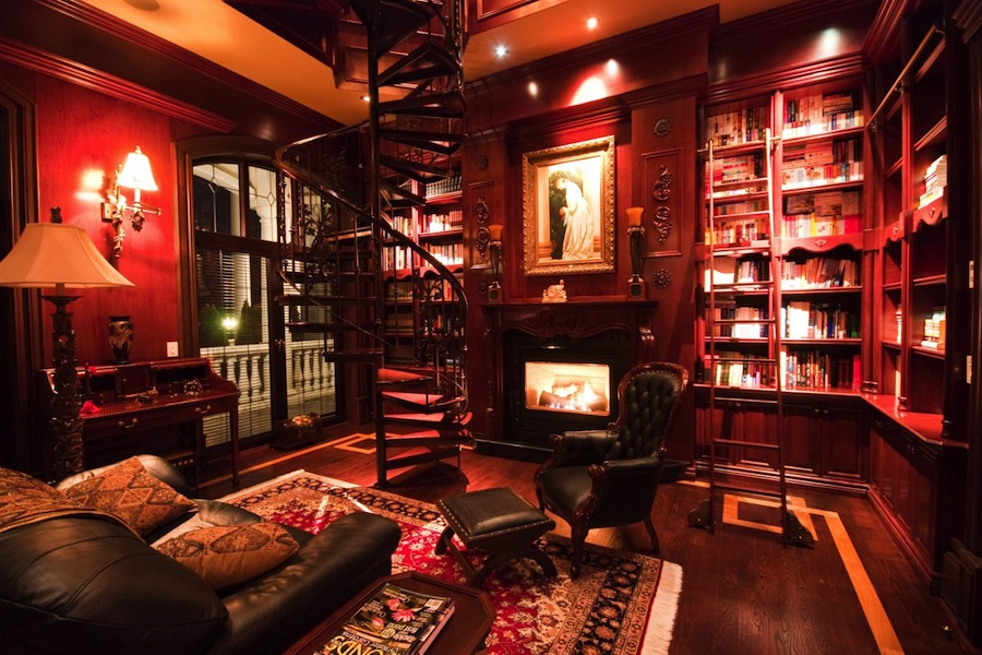 Victorian gothic interior style for 1920s apartment design