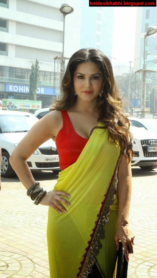 Sunny Leone in Saree Sexy Wallpaper