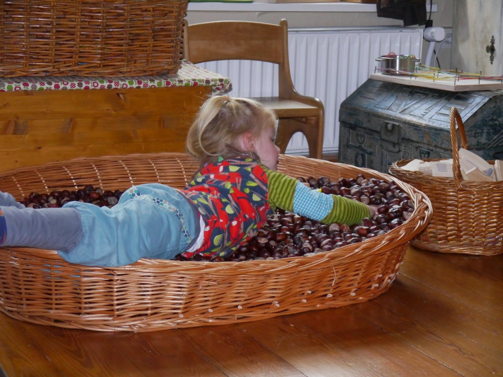 die weltenbauer unser kastanienbad. Black Bedroom Furniture Sets. Home Design Ideas