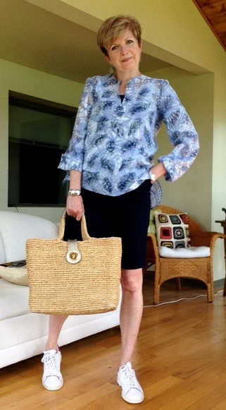Tory Burch tunic, Burberry denim skirt, Stan Smith Adidas, Michael Kors straw tote