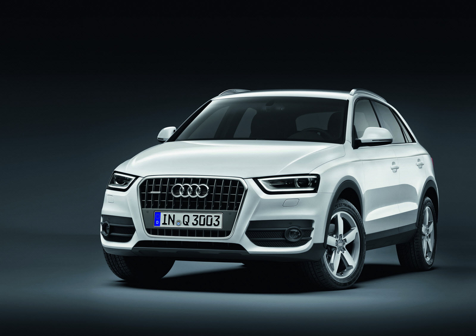 the audi q3 a premium suv in compact form. Black Bedroom Furniture Sets. Home Design Ideas