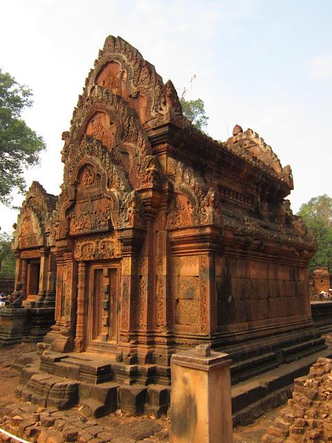 Banteay Srei, outer Angkor